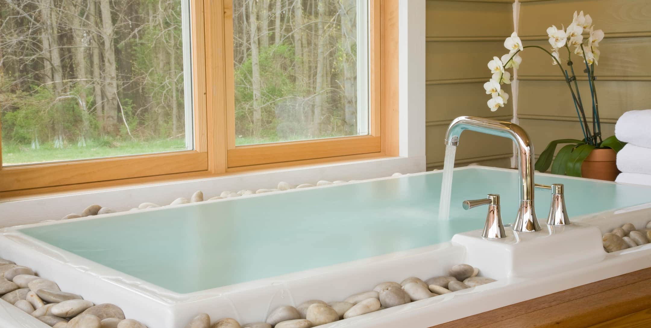 Japanese soaking tub in the Mulberry Cottage at Brampton Inn
