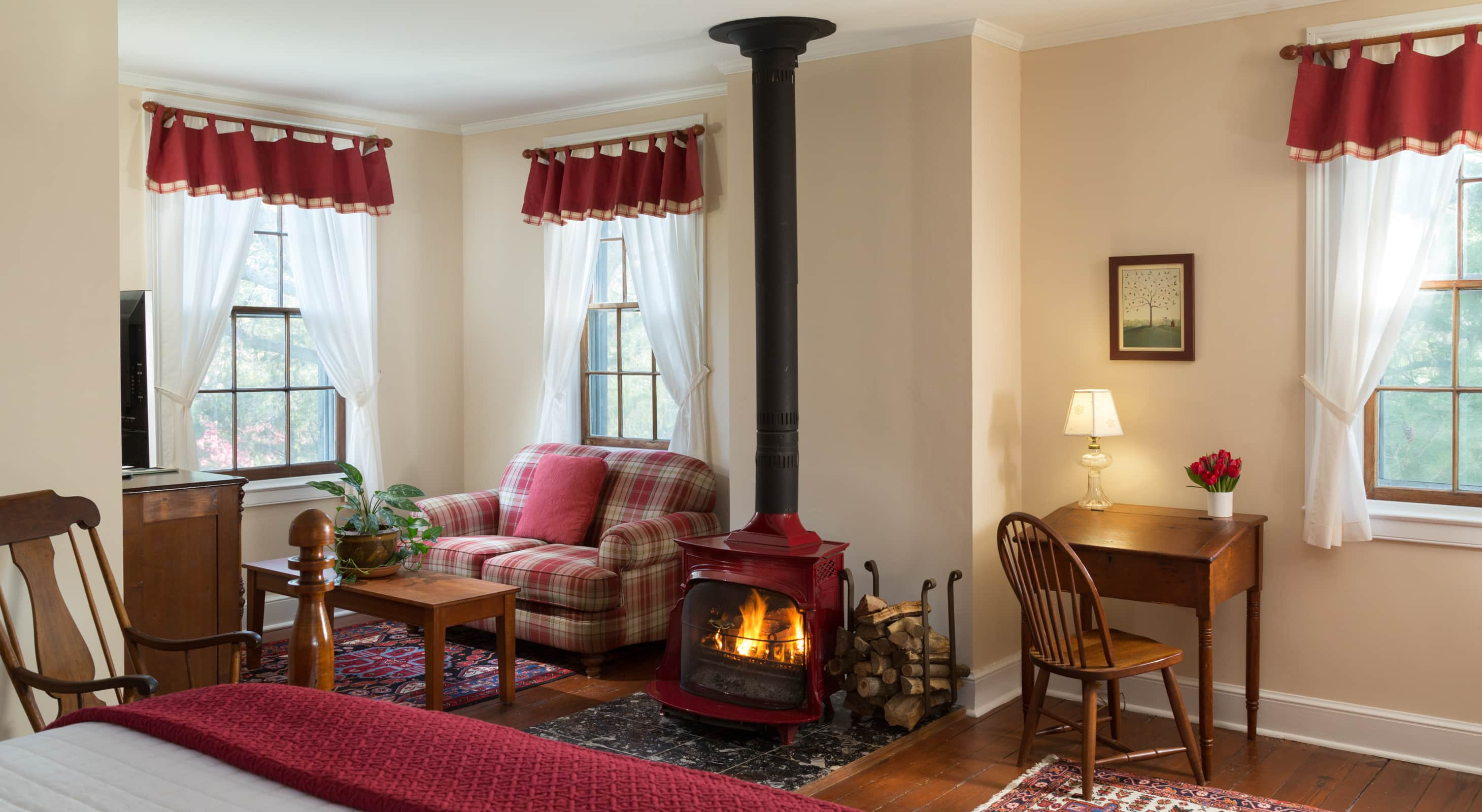 Red Room - Lodging in Chestertown, MD