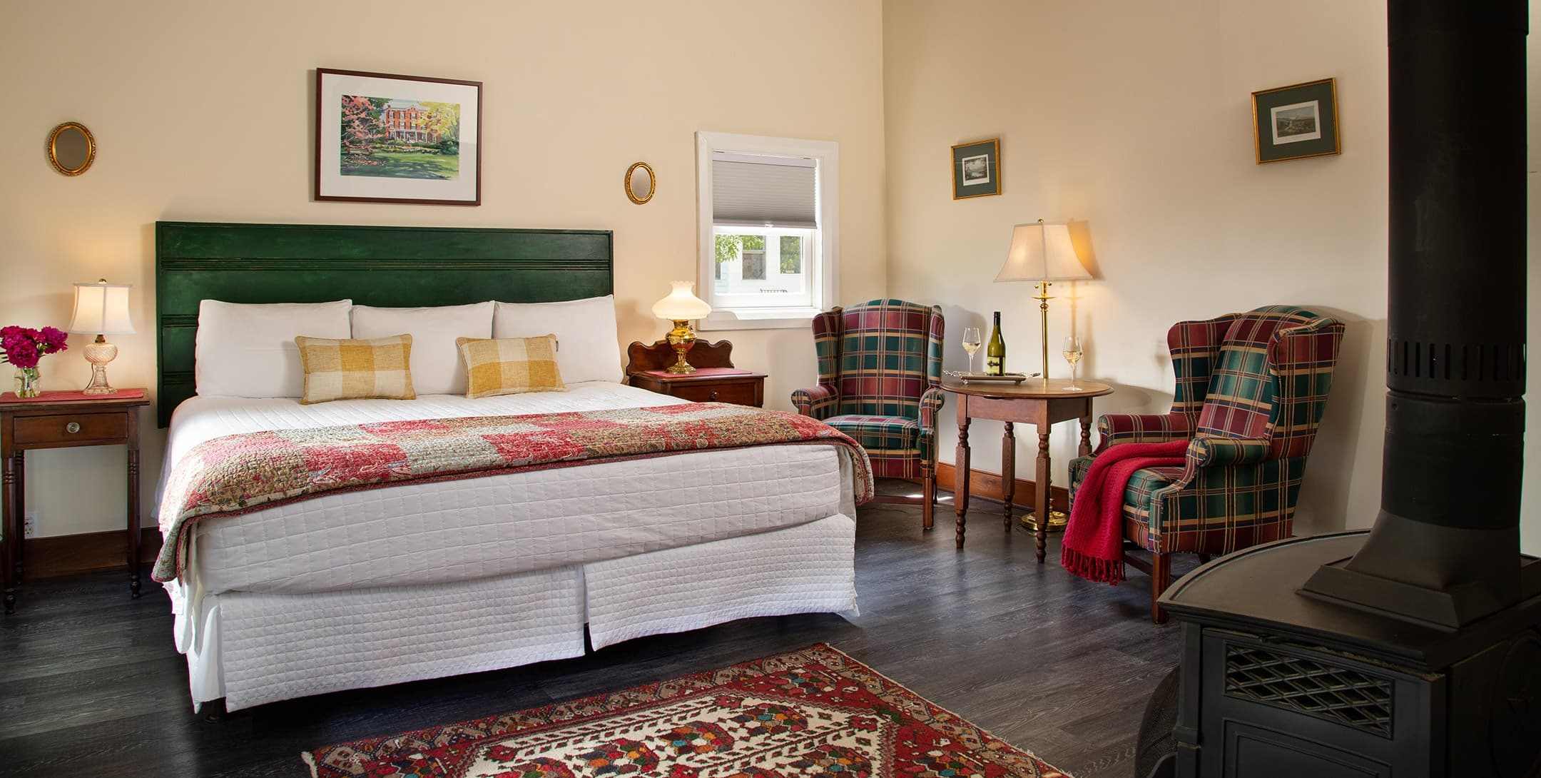 King bed in the Russells Cottage at Brampton Inn