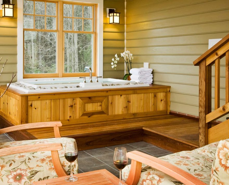 Mulberry Cottage Soaking Tub