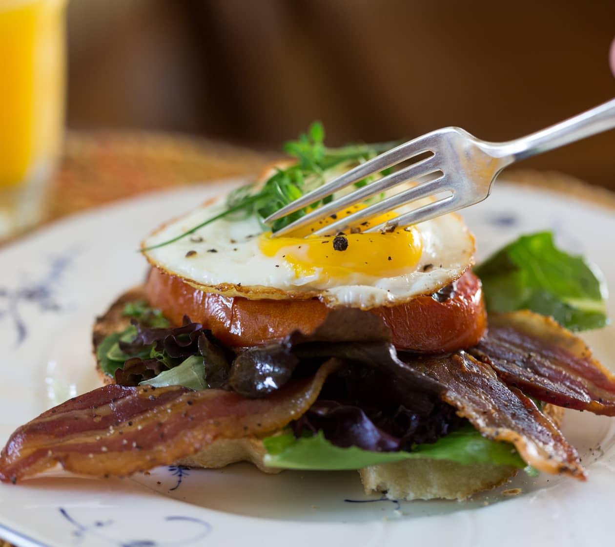 Complimentary breakfast at Brampton Inn