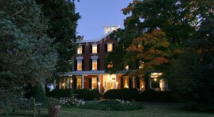 Brampton Inn exterior front at night