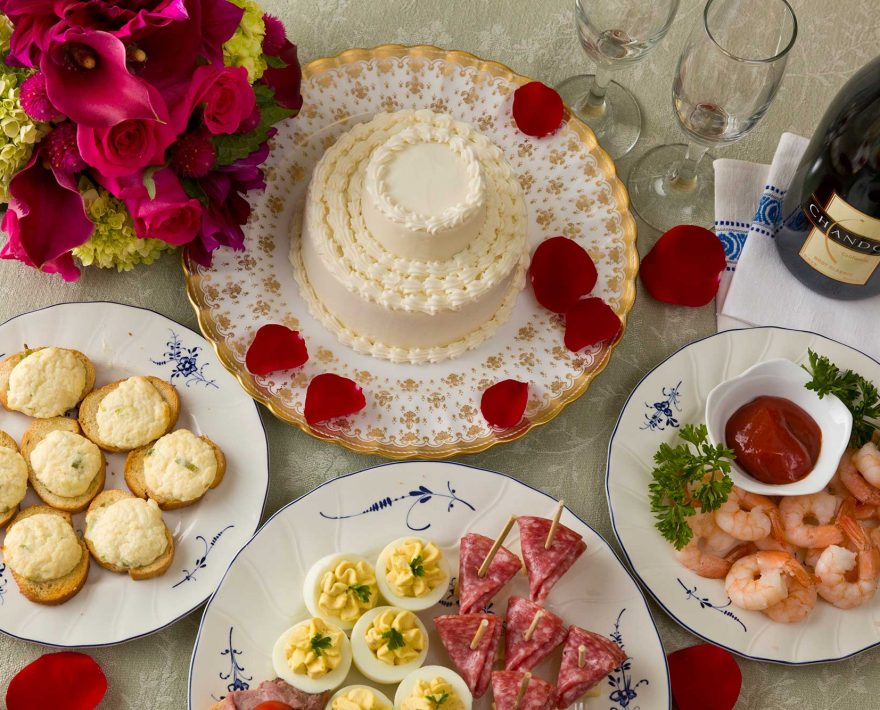 Appetizers, wedding cake and Champagne