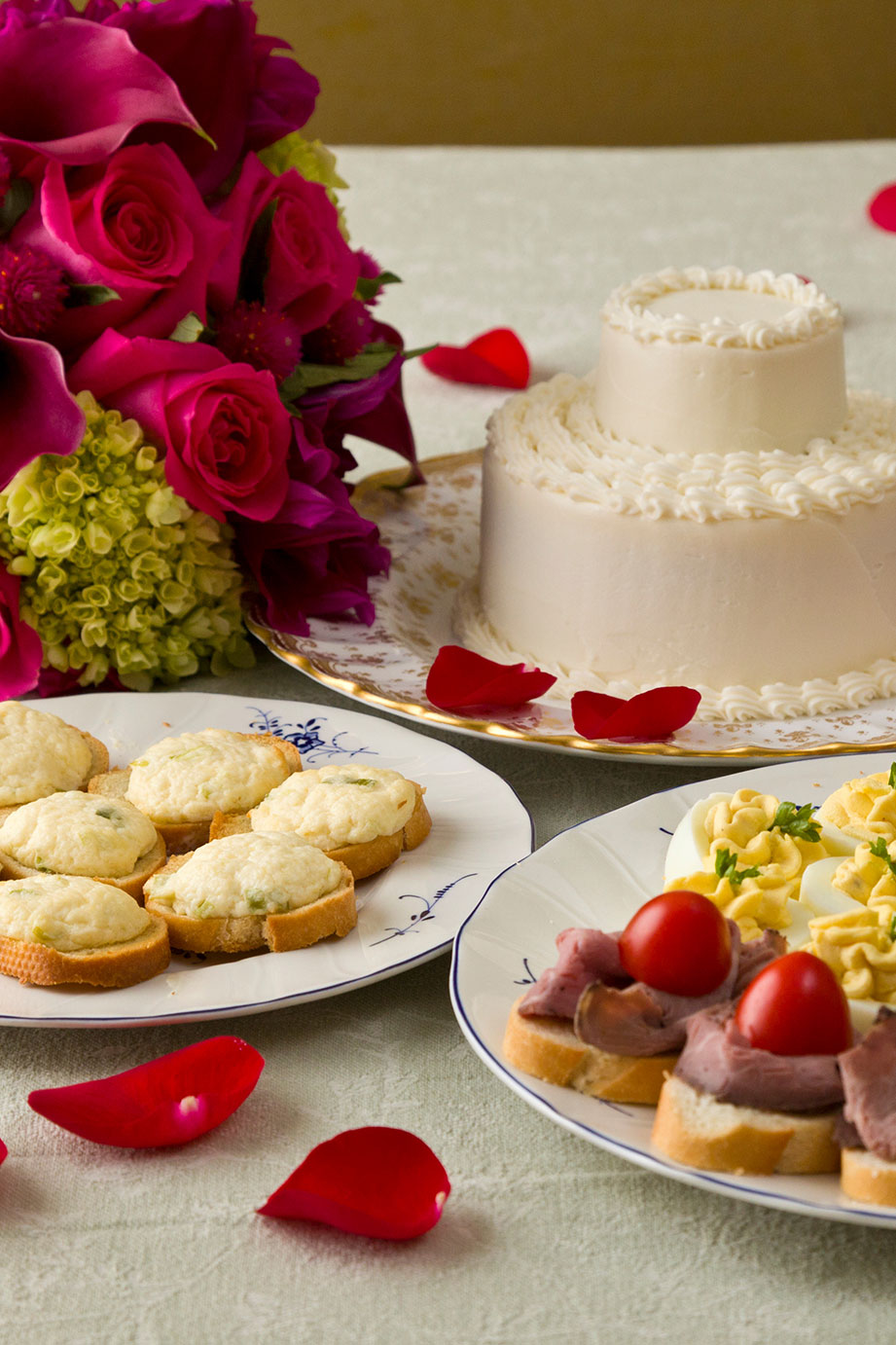 """""""Hors d'Oeuvre and Cake"""" Wedding"""
