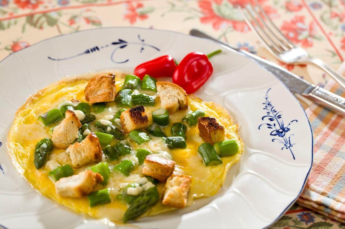egg frittata with silverware