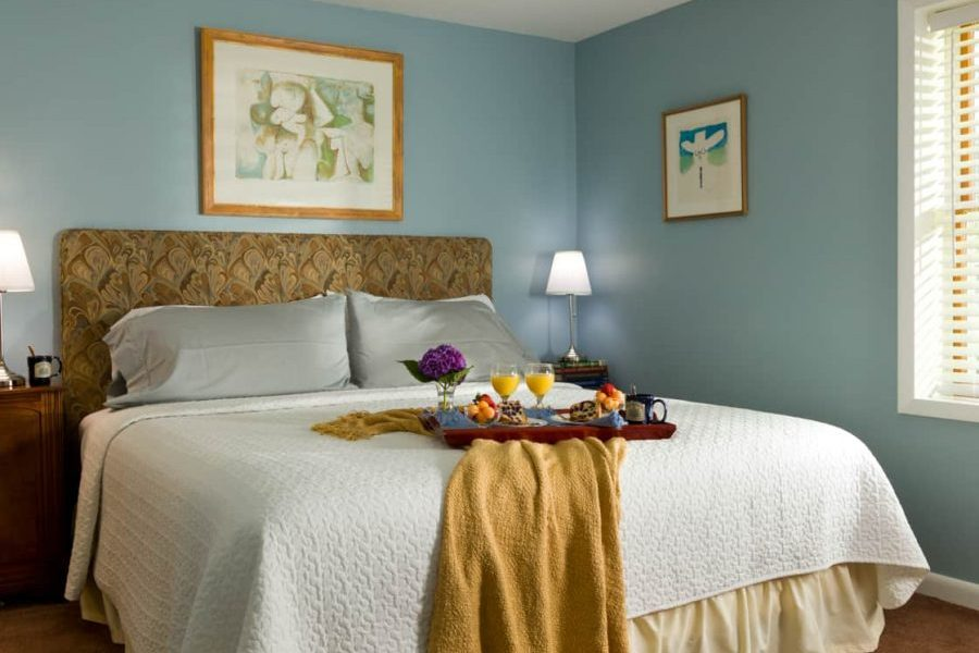 breakfast in bed at Brampton